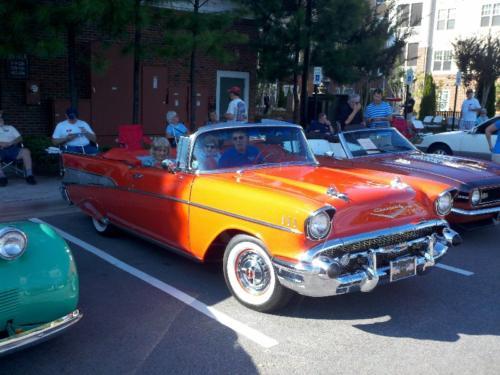 Classic Car Display Atria Oakridge